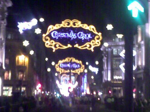 Weihnachtsbeleuchtung an der Oxford Street